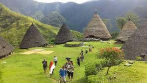 Enjoy The Beauty Wae Rebo Village